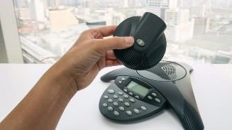 327x183_5 Reasons Your Company Should Switch to VoIP