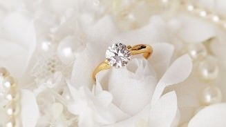 327x184_How to Buy an Engagement Ring Without Breaking the Bank