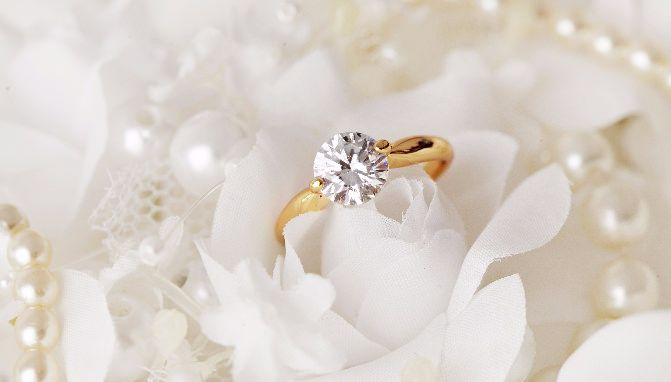 671x382_How to Buy an Engagement Ring Without Breaking the Bank